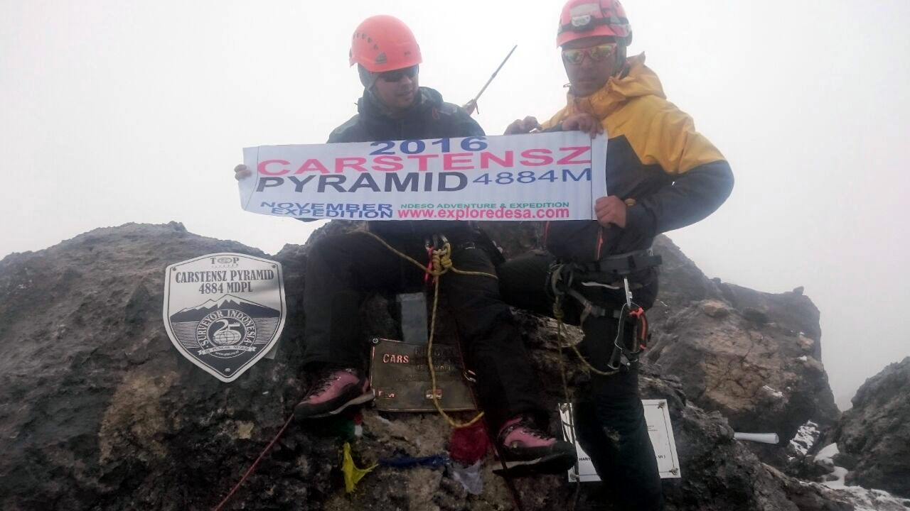 2017 Feb expedition for Climb Carstensz Pyramid, with Experience Mountain Guide in Indonesia